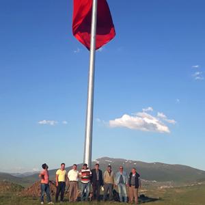 Pınaryolu Köyüne dev Türk Bayrağı